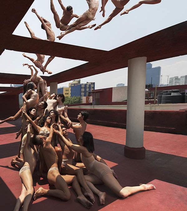 Fotografías surrealistas de bailarines desafiando la gravedad