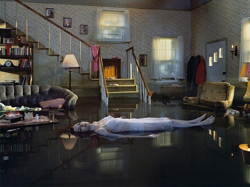 El mundo de la fotografía surrealista de Gregory Crewdson
