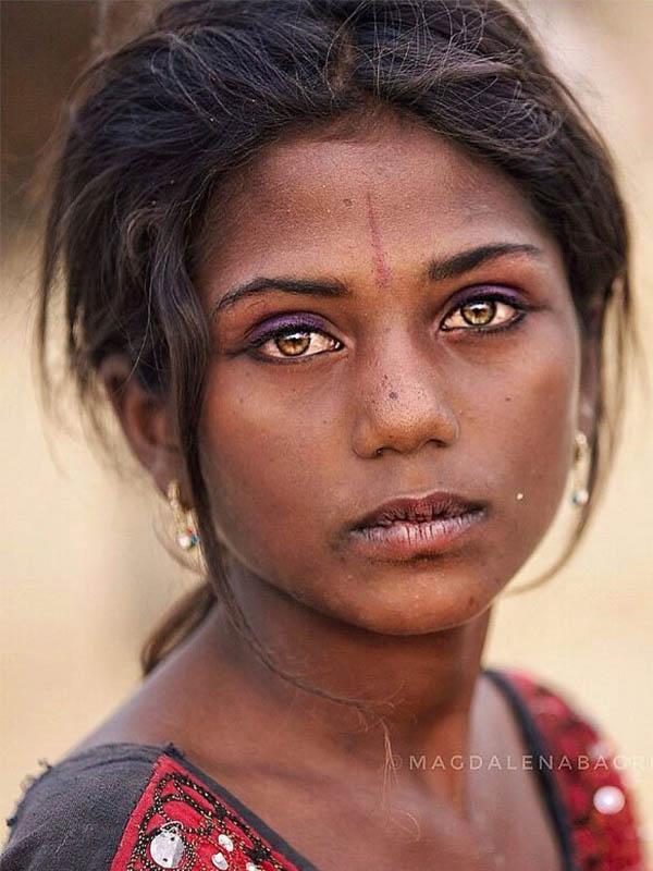 Fotografía de la belleza en la india por la fotógrafa MAGDALENA