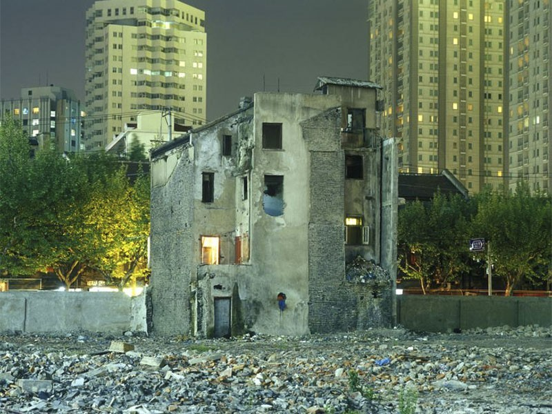 Fotografía callejera del fotógrafo Greg Girard en Asia.
