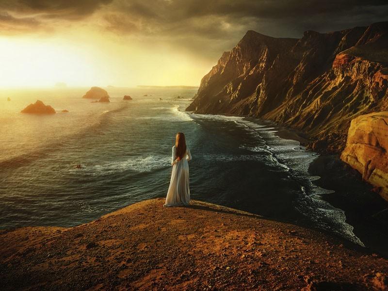 Retratos femeninos junto con hermosos paisajes del mundo